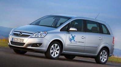 Une Opel Zafira roulant au gaz