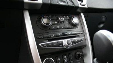 En 2009, Renault lancera ses GPS intégrés Tom Tom