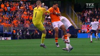 Pays-Bas - Angleterre (0 - 1) : Voir la sortie kamikaze de Pickford sur Depay en vidéo