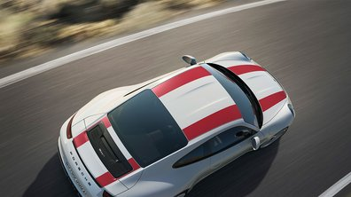 La Porsche 911 R se déchaîne sur la route !