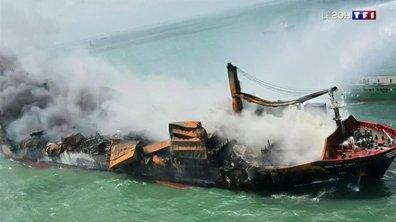 Porte-conteneurs en feu : pollution majeure au Sri Lanka