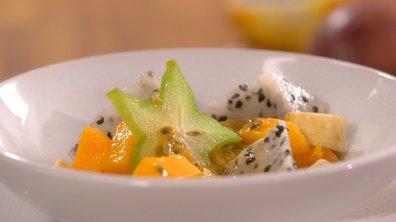 Assiettes de fruits frais exotiques à la gelée de kaki