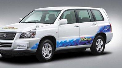 Premier contrat de location pour le Toyota FCHV-adv