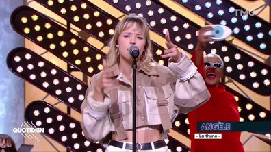 """Angèle : """"La Thune"""" en live pour Quotidien"""