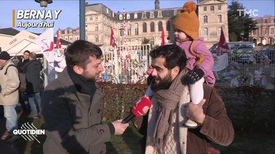 Bernay : parents et soignants se mobilisent pour leur maternité