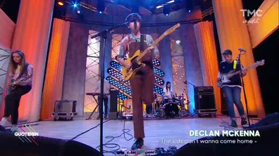 "Declan McKenna : ""The kids don't wanna come home"" en live dans Quotidien"