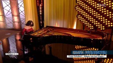 """Khatia Buniatishvili : """"Sonate pour piano D960"""" en live pour Quotidien"""