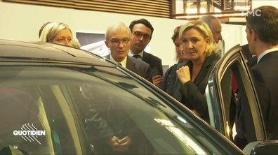 Marine Le Pen au salon de l'auto (alors qu'elle n'a plus de permis)