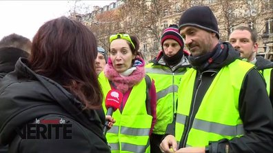 Moment de vérité : rencontre avec les gilets jaunes présents sur les Champs-Elysées