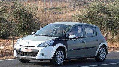 Renault Clio 4 : Espionnée en plein test