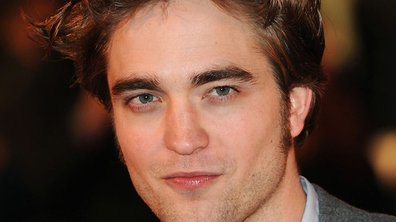 Robert Pattinson mordu par un lion en plein tournage !