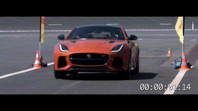 Romain Grosjean sur Jaguar F-Type SVR pour Pirelli