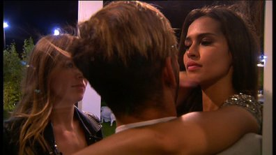 Leila et Sara réconfortent Sacha