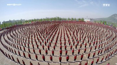 SEPT À HUIT - Chine : immersion dans la plus célèbre académie de kung-fu au monde