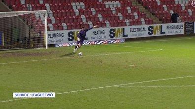 VIDEO - Un gardien frappe un six mètres... et marque direct dans le but adverse