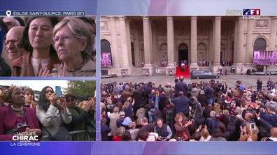 Le cercueil de Jacques Chirac applaudi à la sortie de Saint-Sulpice