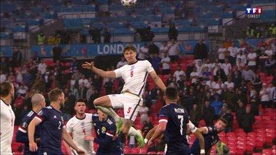 Angleterre - Ecosse (0 - 0) : Voir la tête sur le poteau de Stones en vidéo