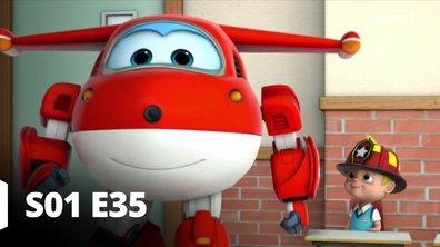 Super Wings - S01 E35 - Au feu, les pompiers!