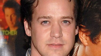 T.R. Knight de Grey's Anatomy victime d'un accident de voiture