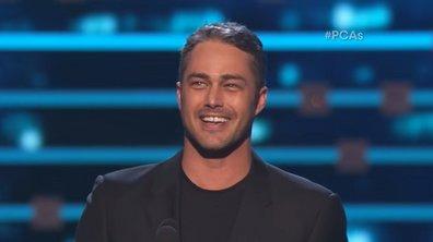 Taylor Kinney remporte le People's Choice Award du meilleur acteur dans une série dramatique