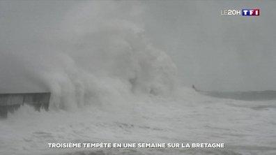 """""""Dennis"""" : la troisième tempête en Bretagne en une semaine"""