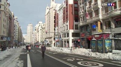 Tempête Filomena : la ville de Madrid paralysée par la neige