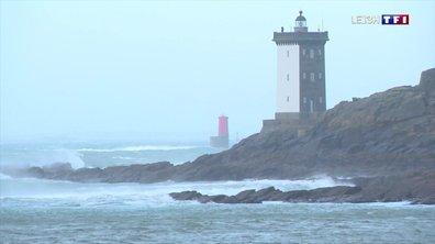 Tempête sur les côtes bretonnes : la pêche interdite au Conquet