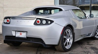 Un prototype Tesla Roadster en vente pour une somme pharaonique !