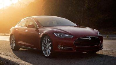 """Tesla Model S 2016 : désormais en """"pilotage automatique"""""""