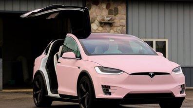 Un passionné peint sa Tesla Model X en rose