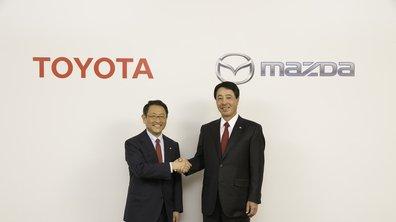 """Toyota et Mazda: un accord signé pour produire """"une voiture meilleure"""""""