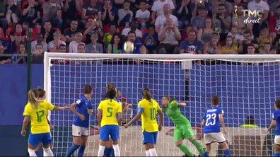 Italie - Brésil (0 - 0) : Voir la transversale d'Andressinha en vidéo