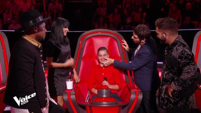 The Voice Kids 2020 - Mathis réconforté par le jury.