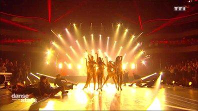 Sur un chacha, les danseurs ... (Think)