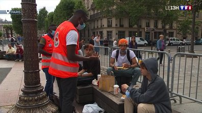 Vaccination : des médiateurs de la Croix-Rouge déployés partout pour convaincre