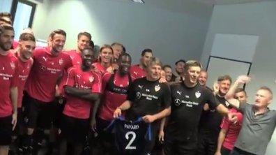 Le VfB Stuttgart souhaite bonne chance à Pavard en chantant sa chanson hommage