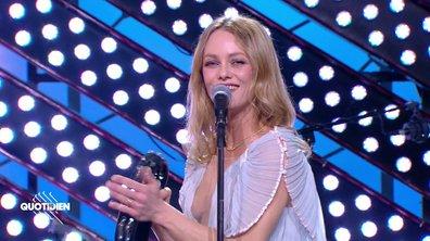 """Vanessa Paradis : """"La plage"""" en live pour Quotidien"""