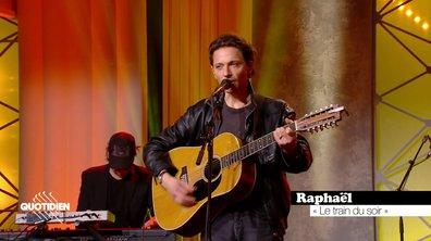 """Raphael: """"Le train du soir' en live pour Quotidien (exclu web)"""