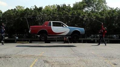 Insolite : une voiture fait de la corde à sauter !