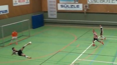VIDEO Futsal : Il réussit la volée parfaite