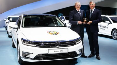 La Volkswagen Passat élue Voiture de l'Année 2015 lors du Salon de Genève