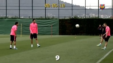 VIDEO FC Barcelone : Xavi, Iniesta et Busquets s'amusent