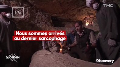 Zoom : une momie vieille de 2500 ans découverte en direct à la télévision