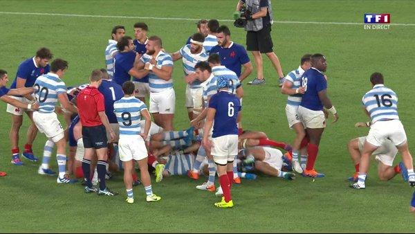 Rugby - Coupe du monde - France - Argentine : Voir la bagarre entre joueurs en vidéo