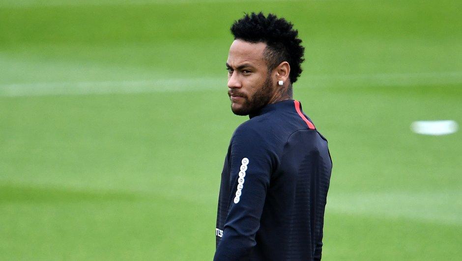 [EXCLU Téléfoot 18/08] - Le point sur le cas Neymar
