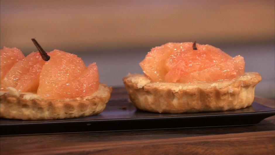 Tartelette de pamplemousse rose à la crème d'amande