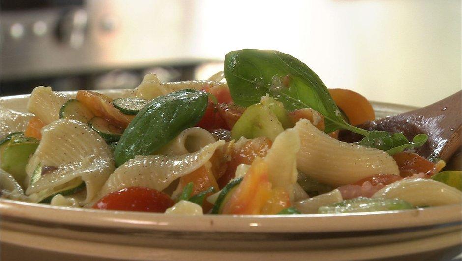 Salade de pâtes au fenouil  et vinaigrette aux anchois