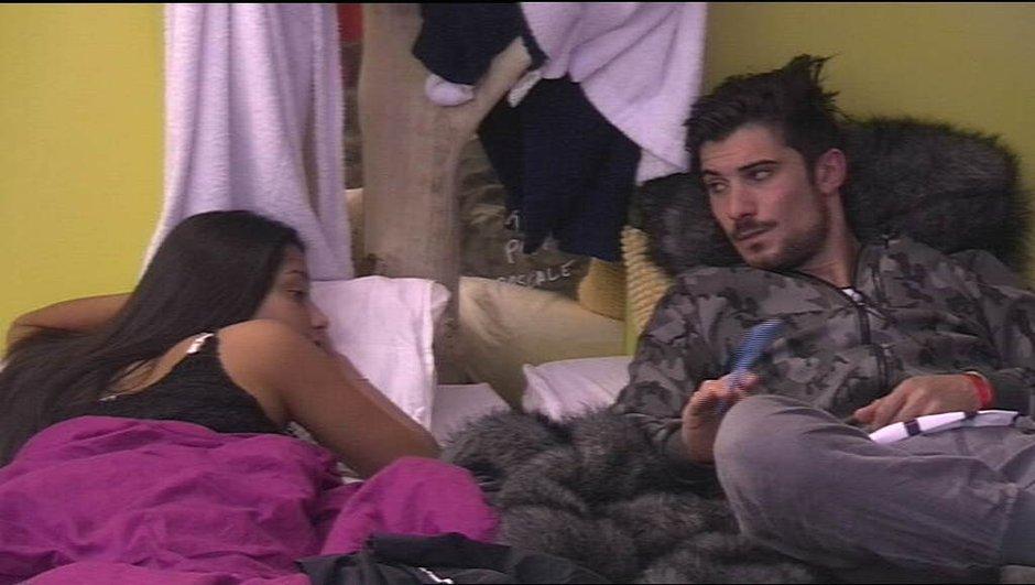 Ali se rapproche dangereusement de Karisma sous les yeux d'Alia...