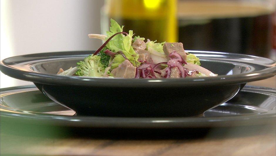langue-de-boeuf-piquante-salade-de-crudites-d-hiver-1221318