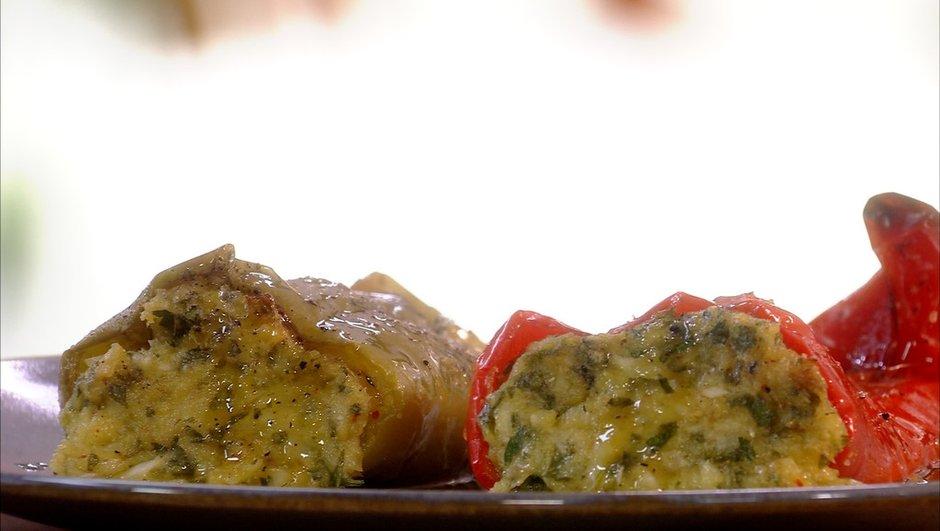 Poivrons corne de boeuf farcis à la morue et au fromage de brebis